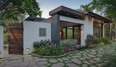 Encuentra las mejores ideas e inspiración para el hogar. Juanapur Farmhouse por monica khanna designs | homify