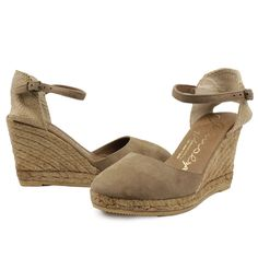 Gaimo Obi Suede Wedges Espadrilles 53.95€. Suede Gaimo Obi 9 cm braided wedges handmade in Spain. Suede strap around the ankle with buckle. Rubber sole. All Gaimo shoes are made of natural and organic materials such as 100% natural cotton, linen and / or the best quality chrome-free leather. #gaimo #espadrilles #handmade in #Spain