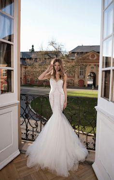 World Exclusive: The Berta Wedding Dress Collection 2016 - Weddbook Beautiful Wedding Gowns, Elegant Wedding Dress, Dream Wedding, Wedding Dreams, Belle Bridal, Bridal Style, 2016 Wedding Dresses, Designer Wedding Dresses, Bridal Collection
