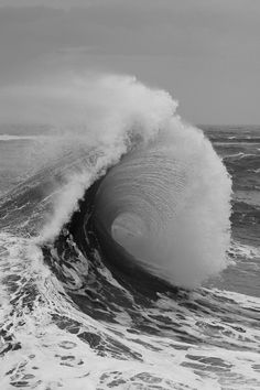 a wave captured in the midst of impermanence...
