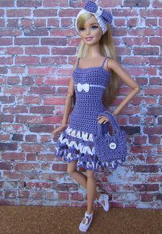 Crochet Barbie Patterns, Crochet Doll Dress, Crochet Doll Clothes, Crochet Doll Pattern, Sewing Barbie Clothes, Barbie Clothes Patterns, Barbie Fashionista Dolls, Barbie Dolls, Barbie Miss