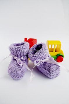 Вязаные пинетки спицами для новорожденного. Мастер-класс с пошаговыми фото