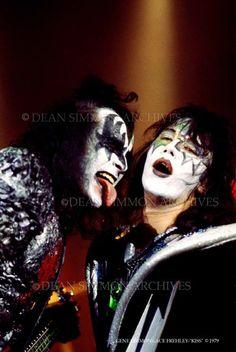Classic Rock And Roll, Rock N Roll, Gene Simmons Kiss, Kiss Members, Vinnie Vincent, Kiss Pictures, Kiss Photo, Love Gun, Kiss Band