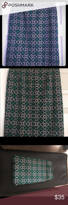J. Crew Lattice Medallion Skirt Sz 6 These beautiful Skirt from j. Crew is no. 2 pencil skirt made of basket weave fabric and bold graphic print. The skirt is dry clean only. Made of 100% polyester J. Crew Skirts
