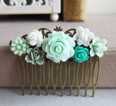 Mint Green Wedding Hair Comb Bridesmaid Gift Bridal Head Piece Pastel Green Sea Foam Pale Green Shabby Chic Vintage Inspired pastels, mint green hair clips, shabby chic, sea green wedding, bridesmaid gifts, wedding hairs, vintage inspired, green weddings, hair combs