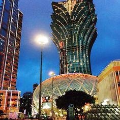 Macau is beautiful at night! Here's a great photo by @winsordobbin #visitmacau #macau #hot_shotz #mostdeserving #natgeo #beautifuldestinations #exploringtheglobe #global_secrets #instahub #travel #city #asia #china #worldheritage