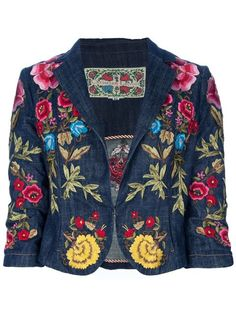 Achetez Christian Lacroix Vintage Veste brodée en  from the world's best independent boutiques at farfetch.com. Over 1000 designers from 300 boutiques in one website.