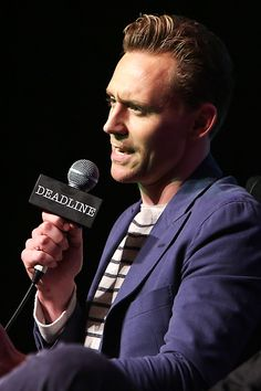 Tom Hiddleston at Deadline's The Contenders Emmys event on April 10, 2016. Full size image: http://ww3.sinaimg.cn/large/6e14d388gw1f2sncyf07nj21u82bc1jl.jpg Source: Torrilla, Weibo