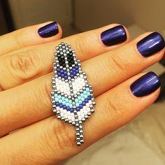 """144 Likes, 12 Comments - Beads For Soul (@beaded_bird) on Instagram: """"@christynodoubt твоё пёрышко готово, идеальный цвет серебряного бисера так и не найден, но пока…"""""""