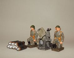 """2 Dänische Soldaten, Minenwerfer & Granatstapel"" Lineol - 7,5 cm Massesoldaten"