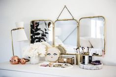 Erin Fetherston& new Hollywood home is featured in the fall 2016 issue of domino magazine. See inside the new home of designer Erin Fetherston. Decor Interior Design, Interior Decorating, Home Bild, Brass Mirror, Mirrors, Famous Interior Designers, Hollywood Homes, Cute Dorm Rooms, My Living Room