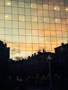 Lumières, ciel, ville