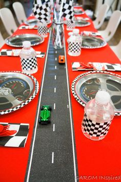 Race Car Birthday – SAROM INspiredYou can find Race car party and more on our website. Hot Wheels Party, Festa Hot Wheels, Hot Wheels Birthday, Race Car Birthday, Race Car Party, Race Cars, Cars Themed Birthday, 5th Birthday, Nascar Cars