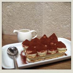 l'illymisù, un tiramisù original accompagné d'un café illy!  Léger et fondant, un vrai plaisir pour les amateurs du fait maison!