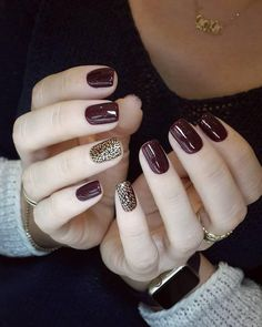 here are 11 Fall Nail Colors You Need Right Now. This list of nail colors is made for you to accentuate the beauty in this season. our styling would be incomplete without the nail color while nails accentuate the complete beauty. Nail Design Spring, Fall Nail Art Designs, Red Nail Designs, Short Nail Designs, Nagel Hacks, Manicure E Pedicure, Moon Manicure, Pretty Nail Art, Creative Nails