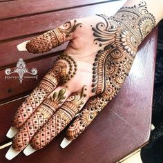 Mehndi Designs Front Hand, Mehndi Designs Finger, Modern Henna Designs, Khafif Mehndi Design, Latest Arabic Mehndi Designs, Henna Art Designs, Stylish Mehndi Designs, Mehndi Designs For Beginners, Mehndi Designs For Girls