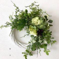 Summer Door Wreaths, Wreaths For Front Door, Wreaths And Garlands, Holiday Wreaths, Flower Arrangement Designs, Floral Arrangements, Green Wreath, Floral Wreath, Country Wreaths