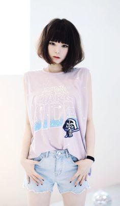 เท่แบบสาวหวาน 30 ไอเดียแมทยีนส์ เสื้อสีพาสเทล ให้เท่ น่ารัดอย่างลงตัว รูปที่ 24