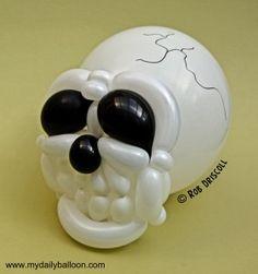 Cráneo de globoflexia. Buenísimo. #globoflexia #globos #tienda