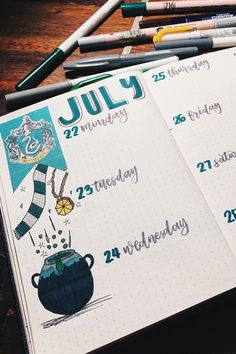 Are you a huge Hogwarts fan looking for some bujo inspiration? These Harry Potter bullet journal spreads will give you some ideas to make your theme perfect Harry Potter Diary, Harry Potter Dragon, Harry Potter Journal, Harry Potter Font, Harry Potter Drawings, Bullet Journal Notebook, Bullet Journal Spread, Bullet Journal Ideas Pages, Bullet Journal Inspiration