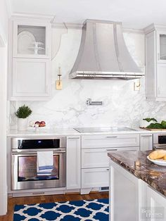 In the hands of skilled stone workers, marble can take on many forms. In this ki… – Marble Decoration Quartz Backsplash, Kitchen Backsplash, Kitchen Countertops, Porcelain Countertops, Backsplash Ideas, Blue Backsplash, Stone Backsplash, Soapstone Kitchen, Hexagon Backsplash