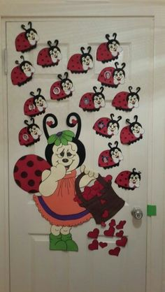 Ladybug and bee craft ideas - Ladybug Crafts, Bee Crafts, Crafts To Make, Paper Crafts, Safari Decorations, School Decorations, Diy For Kids, Crafts For Kids, Arts And Crafts