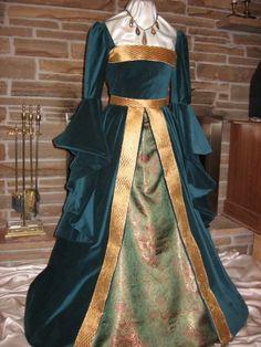beautiful renaissance dress from etsy