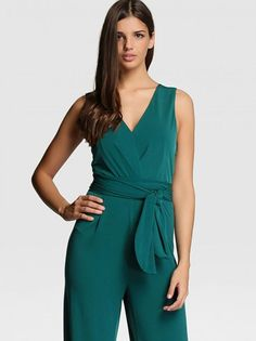 Fiesta Outfit, Designer Jumpsuits, Toddler Girl Outfits, Classy Women, Fashion Outfits, Fashion Trends, Casual Wear, Pants For Women, Ladies Pants