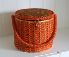Vintage Wicker Sewing Basket Orange With Retro Flowers, Mint Condition Sewing Baskets, Wicker Baskets, Basket Crafts, Vintage Sewing Notions, Retro Flowers, Basket Bag, Sewing Box, Pin Cushions, Basket Weaving
