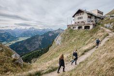 Die Belohnung winkt: Wanderer im bayerischen Pfronten haben die Berghütte...
