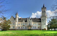 Schloss Kartlow ist ein Herrenhaus im Landkreis Vorpommern-Greifswald im Kruckower Ortsteil Kartlow.