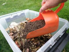 Bokashi Garden: Make Your Own Soil Factory. Finishing Bokashi inside instead of burying it outside Compost Soil, Garden Compost, Vegetable Garden, Outdoor Pots, Outdoor Gardens, Dog Friendly Garden, Eco Friendly, Soil Layers, Square Foot Gardening