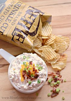 Loaded Baked Potato Dip - quick, easy, and not full of MSG. Pair it with a crispy Kettle Brand Chip and you've got yourself a party. Baked Potato Dip, Loaded Baked Potatoes, Loaded Potato, Potato Snacks, Dip Recipes, Snack Recipes, Cooking Recipes, Chef Recipes, Appetizer Dips
