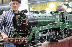 Meccano model 2 by Roving I, via Flickr