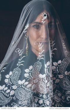 Beautiful veil | Photograph by Shanna Jones Photography | Real weddings