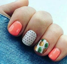 Looking for easy nail art ideas for short nails? Look no further here are are quick and easy nail art ideas for short nails. Cute Gel Nails, Summer Gel Nails, Cute Spring Nails, Pretty Nails, Pedicure Summer, Hawaii Nails, Beach Nails, Short Nail Designs, Nail Designs Spring