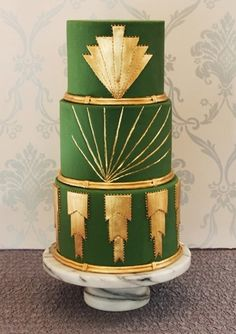 green and gold Art Deco wedding cake.I LOVE art deco