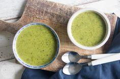 Courgettesoep met broccoli Bio Food, Ras El Hanout, One Pot Meals, Guacamole, Vegan Recipes, Vegan Food, Beverages, Food And Drink, Lunch