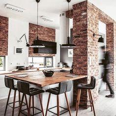Ach ta ściana,  ta ceglana... W sklepie dostępne czarne misy. Lampy #scandi_concept #styllife #madamstotlz #homesweethome #skonahem #kitchen #kitchenstories #kitchendesign #lamps #light #bamboo #nordicstyl #inspiration #naturelover #happydays #autum #relax #stylzycia  #bohostyle #wood #decore #bowl # inspiration #twojstylmagazine #ladnebebe #wnetrzezesmakiem #ladnewnetrze#scandilovers #scandiinterior