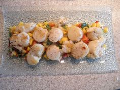 Delicious Scallops on a bed of Mango Salad with peppers and coriander - great for a get-together Mango Salad, Scallops, Coriander, Shrimp, Food And Drink, Stuffed Peppers, Bed, Ideas, Stream Bed