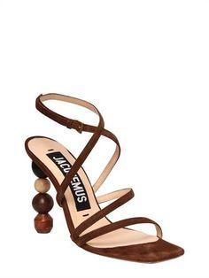 https://www.luisaviaroma.com/it-it/p/jacquemus/donna/sandali/67I-LOC001?ColorId=ODE4ODA1&SubLine=shoes&CategoryId=92&lvrid=_p_dJAC_gw_c92