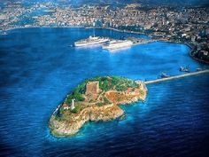 Kusadasi is a Resort Town on Turkey's Aegean Coast and the Center of the Seaside District of the Same Name in Aydın Province. Kusadasi is also known for Pigeon Island. Kusadasi, Ankara, The Places Youll Go, Places To See, Istanbul, Turkey Travel, Turkey Vacation, Archaeological Site, Beach Fun