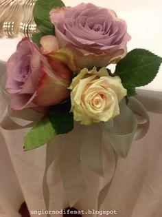 piccoli bouquet di rose per il buffet tavolo