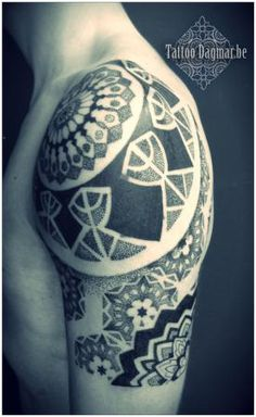 Tattoo Dagmar - Roeselare, Brugge, West-Vlaanderen | Poetic | Ornamental | Dotwork | Pattern | Flower | Art-nouveau | Lace