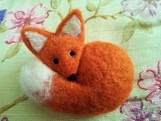 Look at this face.  Don't you want to cuddle her?. . . . . . . . .Fox Needle Felted Miniature Animal Wool Brooch  Badge by Apulina