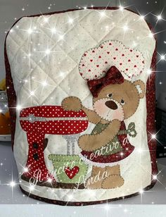Easy Sewing Projects, Christmas Stockings, Diy And Crafts, Teddy Bear, Quilts, Holiday Decor, Home Craft Ideas, Patchwork Kitchen, Patchwork Designs