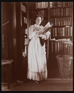 Martha Morton (famous Jewish playwrite) in her New York home library, 1902