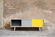 Enfilade_meuble_tv_150_3_portes_sur_mesure_couleurs_jaune_gris_chene_bois_vintage_retro_design_annee_50_60_70_original_gentlemen_designers_s...