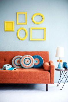 Wall decor: cornici vuote colorate