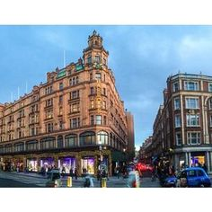 Harrods in #London remains one of the most iconic sights of the city.    Photo courtesy of brianthio on Instagram